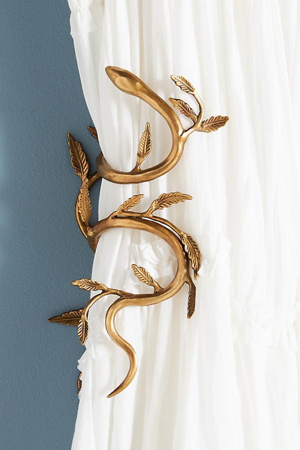 Serpentine Curtain Tieback